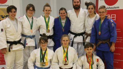 Rijke medailleoogst in kampioenschappen  voor judoclub Asahi '90