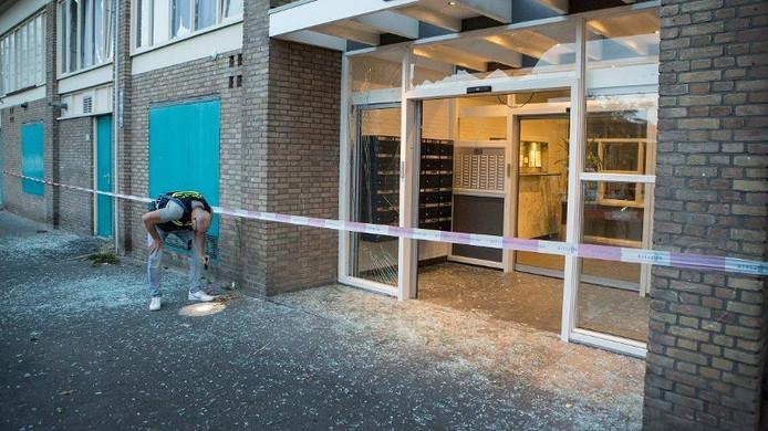 Twee mannen uit Utrecht zijn aangehouden voor betrokkenheid bij een reeks plofkraken in Duitsland.