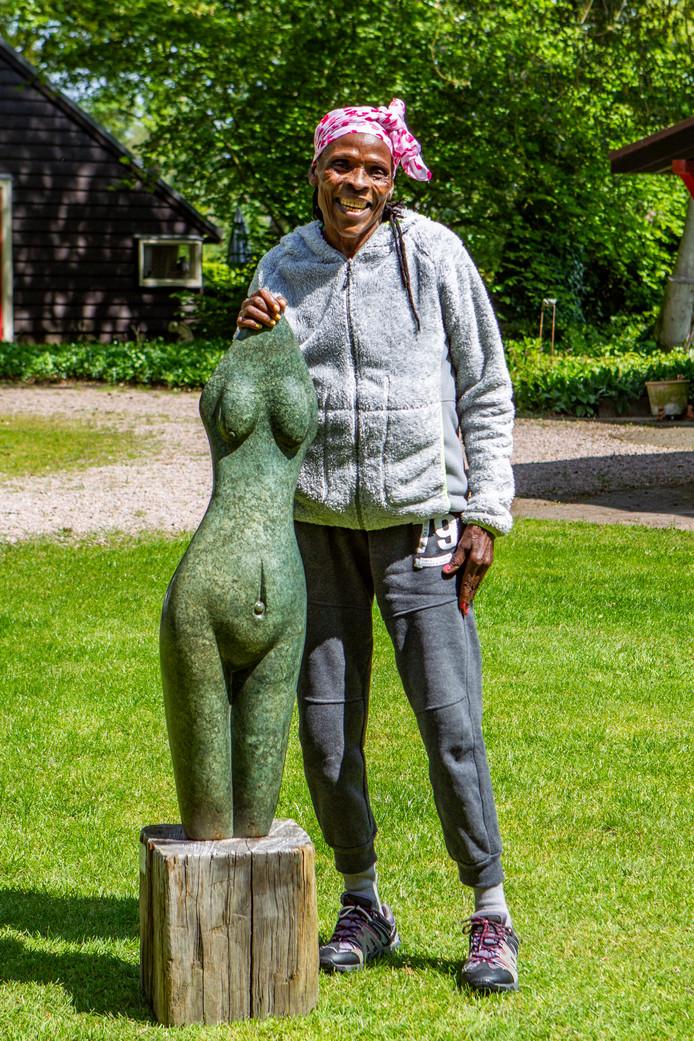 Van onder andere Alice Musara is kunst te zien op Landgoed Middele in Wesepe.