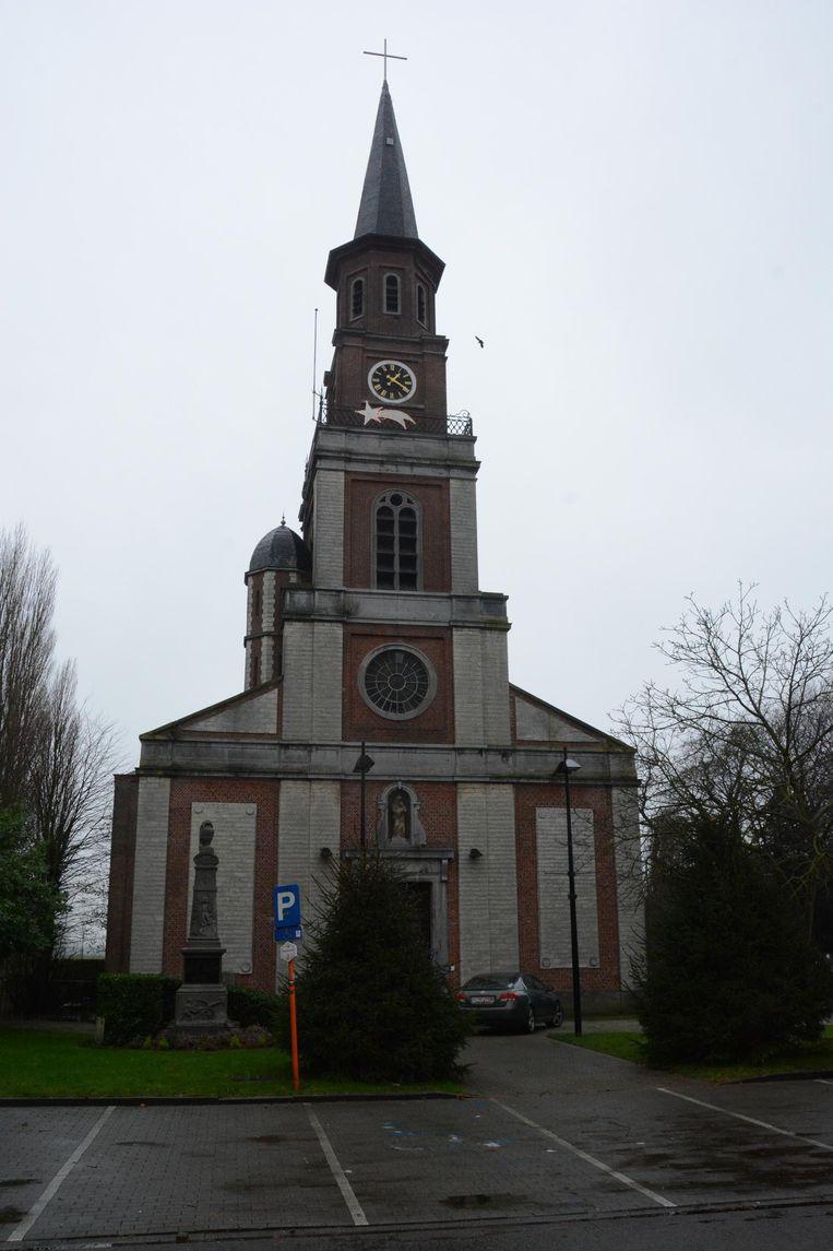 De parochiekerk van Doel is het enige gebouw waar geen graffiti op gespoten is.