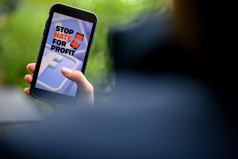 De sportartikelenfabrikanten Adidas en Reebok scharen zich in de groeiende rij bedrijven die het gehad lijken te hebben met alle haatuitingen op social media. Ford onderbreekt voor dertig dagen haar advertentiecampagnes op platforms als Facebook in de Verenigde Staten. Voor andere gebieden wordt dat nog bekeken.