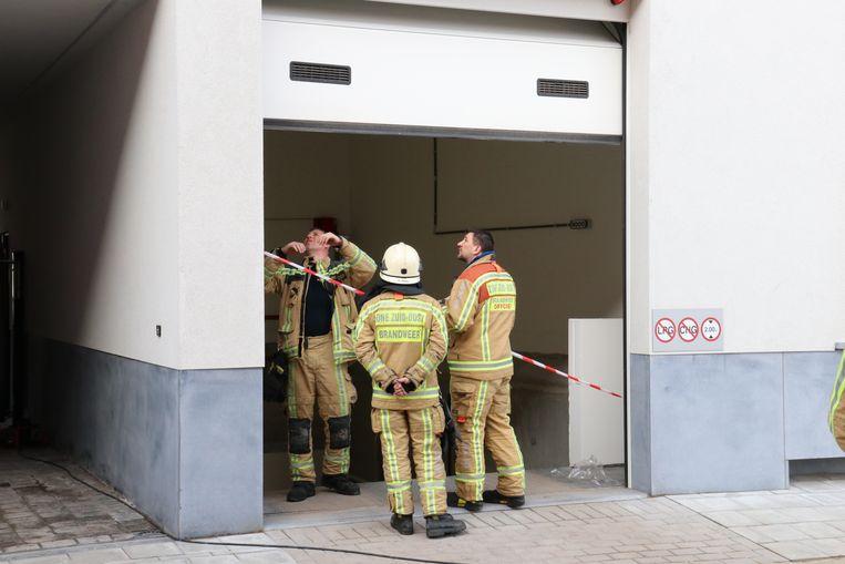 De brandweer controleerde de lift van de ondergrondse garage.