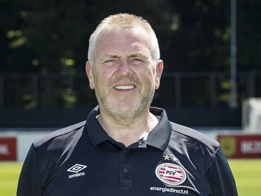 Verzorger Eddy Pepels in het shirt van PSV.