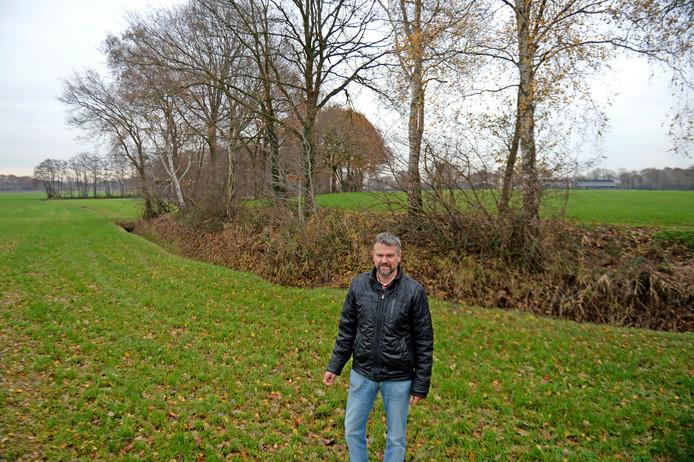 Bewoners uit de buurtschap Tusveld, zoals Jan Bartels van de Dorpsraad, zijn bang dat de weg tussen Almelo en Borne in de toekomst de natuur in hun omgeving doorsnijdt.