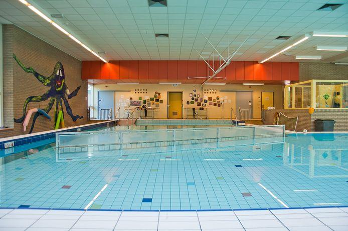 Het zwembad van 's Heeren Loo in Ermelo gaat na vrijdag dicht.