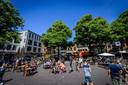 De terrassen op de Oude Markt zijn vanaf Tweede Pinksterdag weer open.