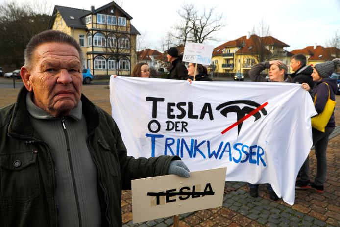 Demonstranten voeren onder meer aan dat de Tesla-fabriek de lokale drinkwatervoorziening in gevaar brengt