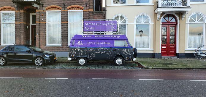 Reclame Mood Truck Eleos aan de IJsselkade in Kampen.