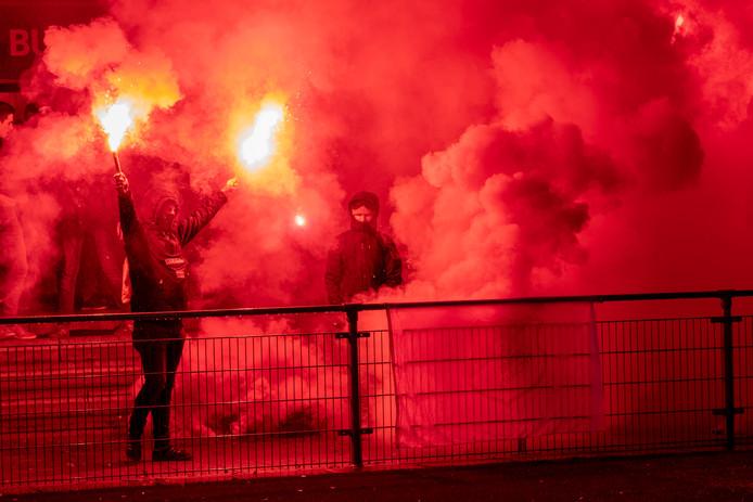 Archiefbeeld van een eerdere (Huissense) derby tussen RKHVV en Jonge Kracht.
