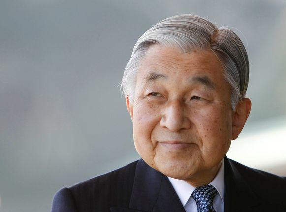 Keizer Akihito (85) treedt eind volgende maand - op eigen verzoek - af als keizer van Japan.  In 1997 had de keizer nog geen mannelijke kleinkinderen. Foto uit 2011.