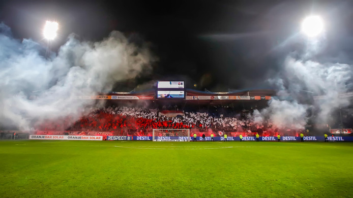 De fans van Willem II maakten er een feest van in de halve finale tegen AZ.