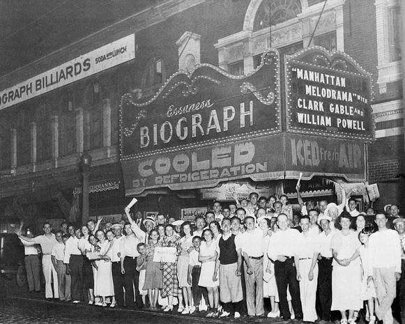 Het was aan deze bioscoop dat Dillinger doodgeschoten zou zijn. De foto dateert van 21 juli 1934.