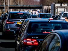 File op A12 door ongeluk bij Wageningen