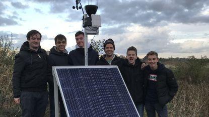 Leerlingen 't Saam bouwen weerstation dat in natuurgebied De Blankaart staat