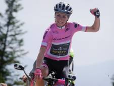 Annemiek van Vleuten grijpt met overmacht eindzege in Giro Rosa