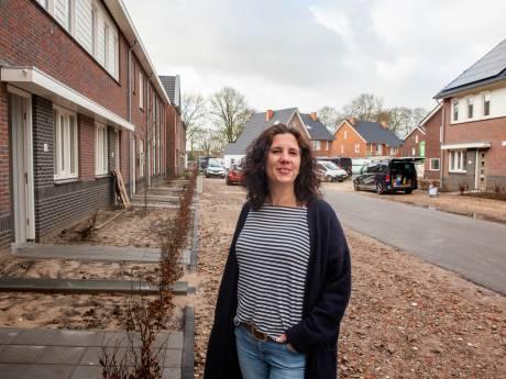 Eerste bewoners van eerste gasloze wijk in Putten betrekken hun woning