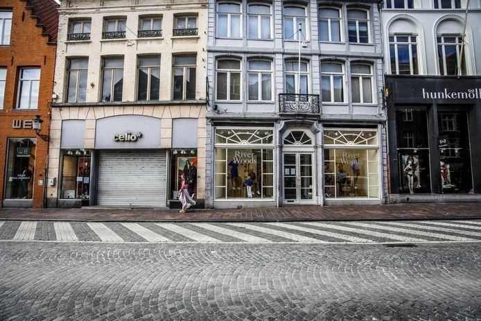 Gesloten winkels in Brugge. Unizo roept op om de handelaars te steunen.
