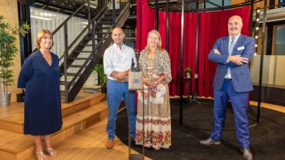 """Gianne Levenstond en Axel Verberckmoes compleet verrast door het winnen van Ondernemersprijs Herman Dessers: """"Wij zijn gewoon visboeren"""""""