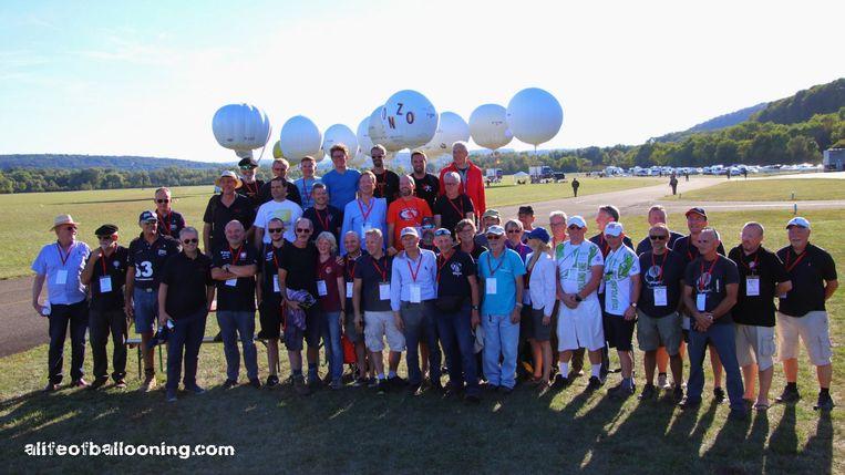 De deelnemers bij de start.