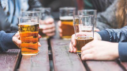 Alcohol drinken nog voor je uitgaat: voor veel Vlaamse jongeren is het heel gewoon