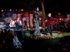 Vischmarkt Harderwijk zindert met zand, zang en sfeer