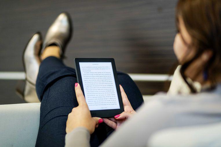 De  vraag naar e-readers stijgt bij de bib in Kortrijk.