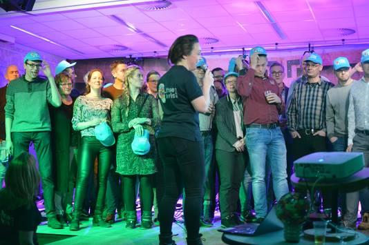 Petje op, petje af tijdens prijsuitreiking Lithse Kwis