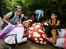 Hardinxveldse vluchtelingkinderen leren Nederlands met Roodkapje