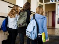 13-jarige jongen uit Lelystad onder bedreiging van mes beroofd van schooltas