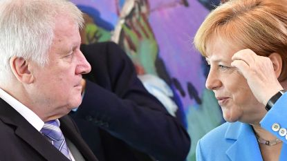"""Duitse regering wankelt na ultimatum aan Merkel: """"Het eindspel is ingezet"""""""