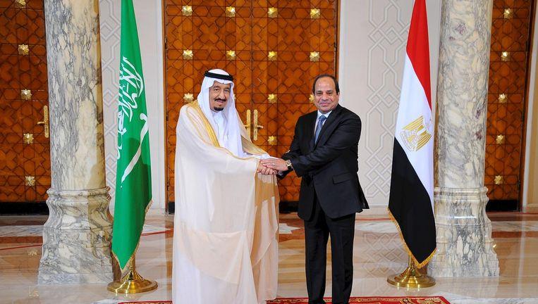 De Saoedische koning Salman tijdens zijn ontmoeting met de Egyptische president al-Sisi. Beeld reuters