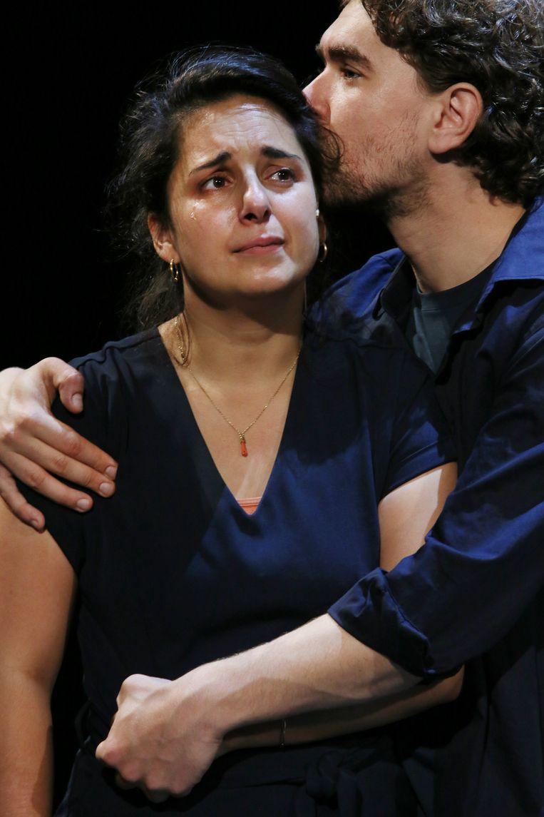 Mariana Aparicio Torres en Bram Suijker in Ademen Beeld Sanne Peper