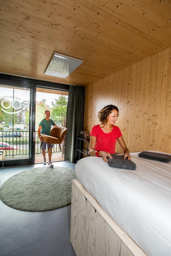 Koen Molekenboer en Marion Leijtens openen hostel ROOTS in Spoorzone