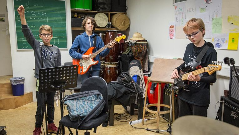 De band Distage repeteert in het Muziekpakhuis. Beeld Dingena Mol
