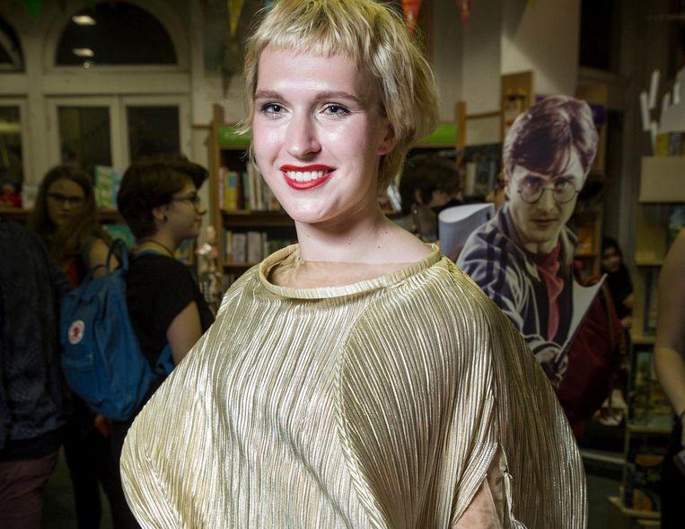 Roxy van Bemmel als de gouden snaai Beeld Dingena Mol