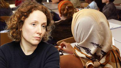 Hoofddoek in Gentse scholen: crisisvergadering na soloslim van Groen-schepen Decruynaere