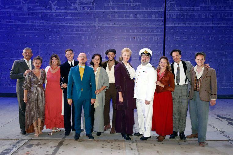 De cast van musical 'Titanic'